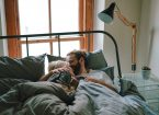 ギシギシ軋むベッドが憎い!きしみ音の原因と4つの対策