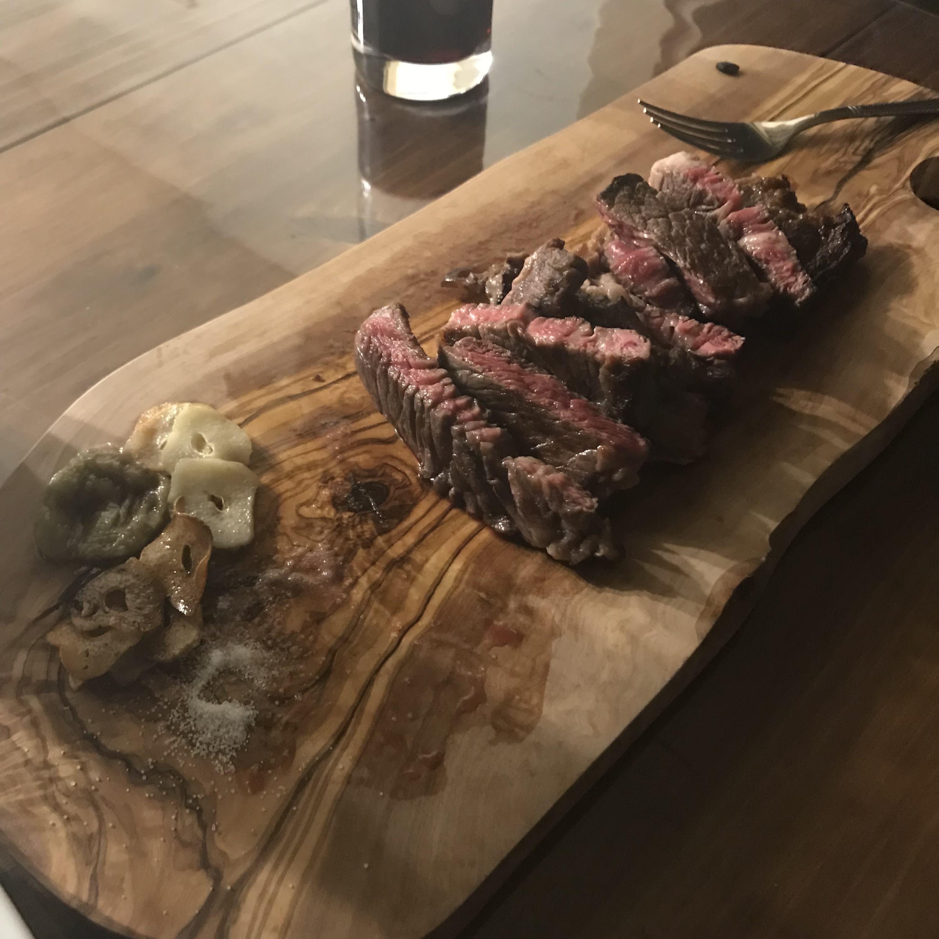 ステーキ+カッティングボード